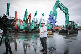 「人力ではどうにもならないものを、一瞬で破壊する建機の圧倒的なパワーに感動しました」とパラダイス山元さん