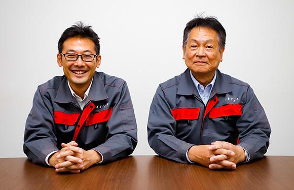 今回お話をうかがったアクティオ クレーン事業部 上席執行役員事業部長の小川 剛さん(右)と、クレーン東日本営業課 課長の多々良憲司さん(左)