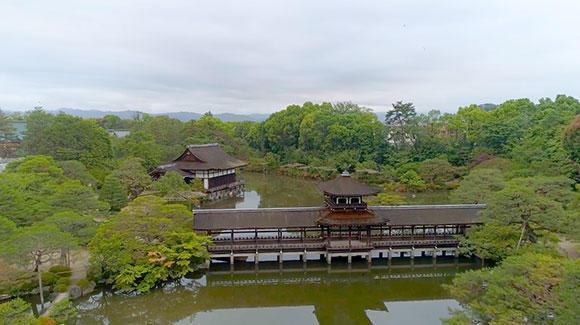平安神宮神苑。1975年に国の名勝に指定された。