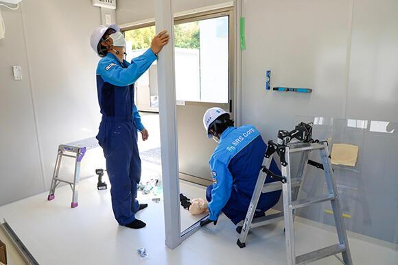 5.0坪タイプの仮設陰圧ハウスは、グループ企業のエスアールエスで生産。