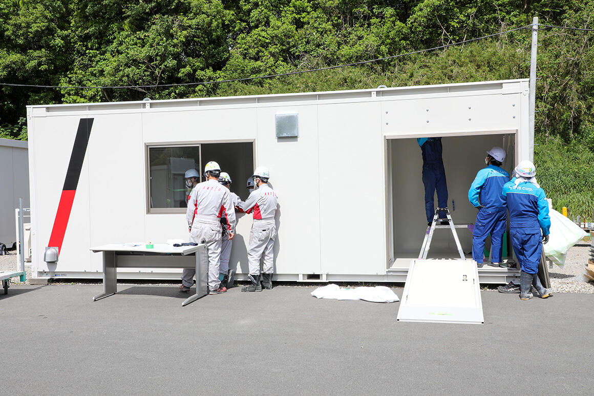 病院の陰圧室同等の機能を持つ「仮設陰圧ハウス」開発秘話