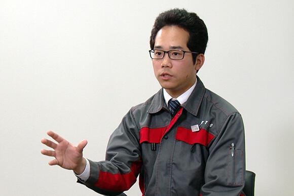 開発案件は「研究寄りの開発」と語る技術部企画計画課の小林賢甫
