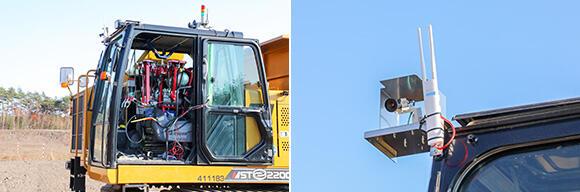 左:人工筋肉(6軸12本)を使用した運転手型ロボットを搭乗させ、各種レバー類等を操作。右:前後左右にカメラを設置