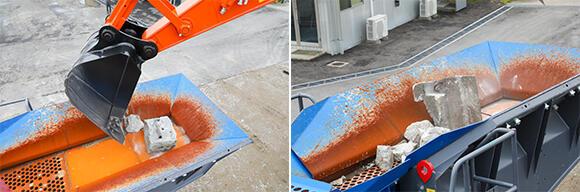 (左)バックホーによりガラをフレーム一体型ホッパに投入。(右)ガラは振動するロングフィーダで搭載専用破砕ユニットに送られる